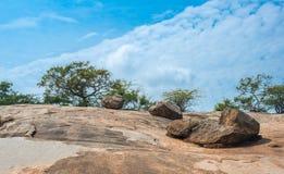 Stena landskapet i Makhabalipuram, Tamil Nadu, Indien Royaltyfria Foton