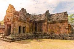 Stena slotten i Prasat Hin Phanom ringt historiskt parkerar, Thailand arkivbild