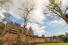 Stena slotten i Prasat Hin Phanom ringt historiskt parkerar, Thailand arkivfoto