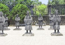 Stena statyer av folk i Minh Mang Tomb, tonen, Vietnam Fotografering för Bildbyråer