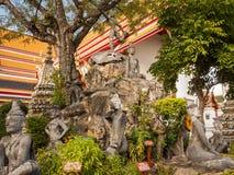 Stena statyer i den kungliga slotten av Bangkok, Thailand Arkivfoto