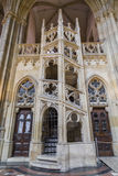 Stena trappa i domkyrkan av St Vitus Royaltyfri Fotografi