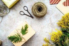 Stenar den internationella kvinnadagen för begreppet med blommor bakgrund till Fotografering för Bildbyråer