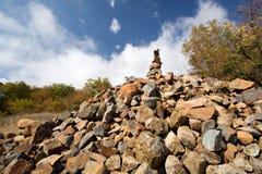 stenar för pyramid för berg för aucrimea dag hög Arkivbild