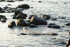 Stenar i Östersjön Arkivfoton