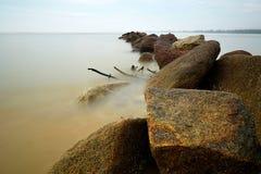 Stenar i bevattna Arkivfoton