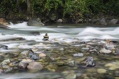 Stenar i floden Royaltyfria Bilder