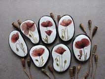 Stenar med pressande blommor Royaltyfri Fotografi