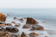Stenar och hav Royaltyfri Fotografi
