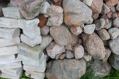 Stenar och tegelstenar Arkivfoto