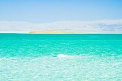 Stenar på banken av det döda havet Royaltyfria Bilder