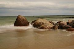 Stenar på stranden Arkivbild