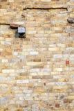 Stenar på väggen av Qutub Minar står högt, den minar mest högväxta tegelstenen Arkivfoton