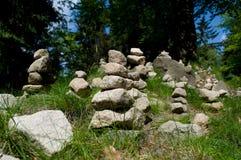 Stenar som staplas på de royaltyfri fotografi