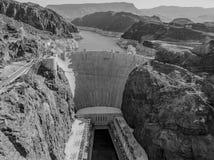 Stenblockfördämning i Coloradofloden, på gränsen mellan USA-staterna av Arizona och Nevada Fotografering för Bildbyråer