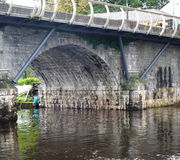 Stenbro över Shannon River In Ireland Arkivfoto