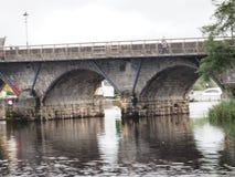 Stenbro över Shannon River In Ireland Arkivfoton