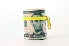 Stående av Abraham Lincoln på räkningen för dollar fem Arkivbild