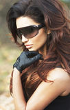 Stående av den härliga brunettflickan. Royaltyfria Foton