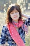 Stående av den unga kvinnan Arkivfoto