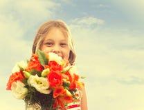 Stående av en härlig liten flicka Arkivfoton