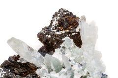 StenDrusus för makro mineralisk kvarts med sphalerite i vagga a Arkivbilder