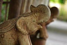 Stenelefantstaty fotografering för bildbyråer