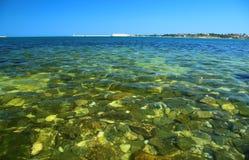 Stenen bij de bodem van de baai van Sebastopol Royalty-vrije Stock Afbeeldingen