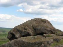 Stenen in de steppe stock afbeeldingen