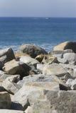 Stenen en overzees Royalty-vrije Stock Foto's
