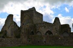 Stenen fördärvar av den Hoare abbotskloster i Irland Royaltyfri Fotografi