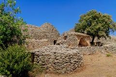 Stenen förlägga i barack i bydesen Bories nära Gordes Royaltyfria Foton