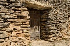 Stenen förlägga i barack, bydes Bories, Frankrike Royaltyfri Fotografi