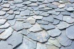 Stenen gå i flisor housetopen Royaltyfri Fotografi