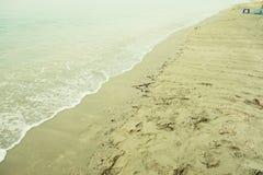 Stenen in het oceaanwater Stock Fotografie