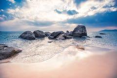 Stenen in het water Royalty-vrije Stock Foto's