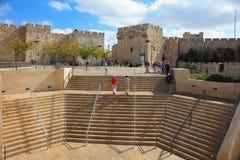 Stenen kliver att leda till den Jaffa porten Fotografering för Bildbyråer