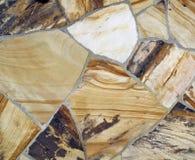 Stenen kritiserar det mönstrade väggavsnittet Arkivfoto