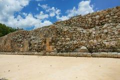 Stenen ringer för bollspel i Uxmal, Yucatan Royaltyfria Bilder