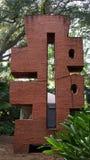 Stenen skulpterar, Ann Norton Sculpture Gardens, West Palm Beach, Florida fotografering för bildbyråer