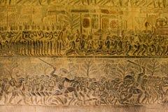 Stenen sned på väggen av Angkor Wat Arkivbilder