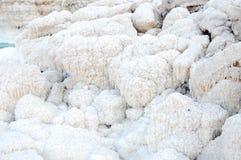 Stenen van zout in het overzees Stock Foto's