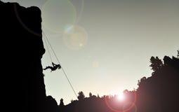 Stenig klättrarekontur fotografering för bildbyråer