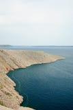 Stenig kust av ön pag i Kroatien Royaltyfri Fotografi