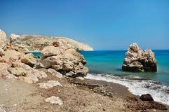 Stenig kust av havet Arkivbild