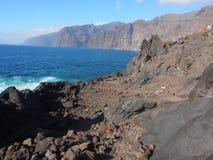 Stenig kust av Tenerife på Puerto de Santiago, Tenerife Arkivfoton