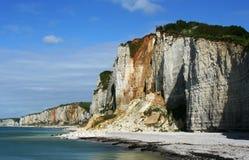 stenig kust för etretat royaltyfri foto