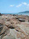 Stenig kust i Thailand Fotografering för Bildbyråer