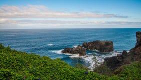 Stenig kust nära San Juan de la Rambla Arkivfoto