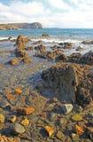 Stenig kust på Atlanticet Ocean, Frankrike Arkivbild